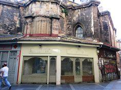 http://gorriondeasfalto.com/2014/12/04/la-catedral-de-bilbao-y-sus-absides-comerciales/