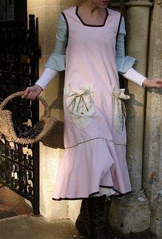 vintage edwardian style apron http://verityhope.blogspot.co.uk/ Molly Amelia Pinny by Malphi L-XL  (ROSE)