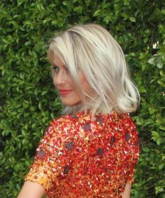 Julianne Hough Medium Straight Hairstyle - Light Blonde (Champagne) - side view 1 View yourself with this Julianne Hough Medium Straight Casual Hairstyle - Light Champagne Blonde Hair Color Trendy Haircuts, Casual Hairstyles, Celebrity Hairstyles, Straight Hairstyles, Cool Hairstyles, Blonde Hairstyles, Layered Hairstyles, Pixie Haircuts, Braided Hairstyles