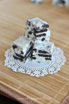 Cookies and Cream Fudge packed with Oreo cookies!