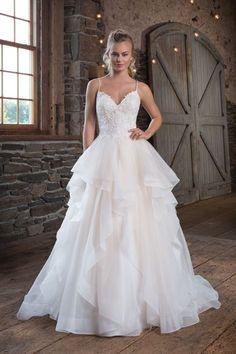 bc7bf25b87 Romantic and Enchanting Wedding Dresses | Sincerity Bridal Sweetheart Esküvői  Ruha, Organza Esküvői Ruhák,
