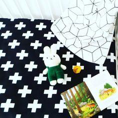 Laat jouw baby gezellig spelen en leren op onze zachte Boxkleden in Scandinavisch design met 100% natuurlijk katoen. Een trendy boxkleed dat perfect past in jouw interieur en comfortabel is voor jouw kleine! Bestel via info@chubbycarrot.com of kijk op onze site voor de populairste baby producten! #chubbycarrot en www.chubbycarrot.com