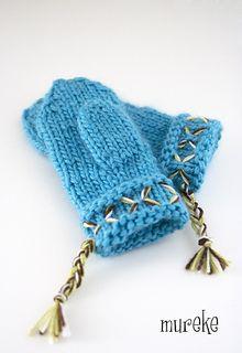 Ravelry: Lovikka-lapaset pattern by Minna Metsänen Knitting Patterns Free, Free Knitting, Knit Basket, Stockinette, Marimekko, Needles Sizes, Old Women, Mittens, Crocs