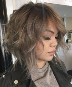 Ash Brown Wavy Bob for Fine Hair When it comes to fine hair, chopped cuts look softer – rather wispy than rough and shaggy. The ash brown bob leaves an impression of a delicate style with broken…More Choppy Bob Haircuts, Messy Bob Hairstyles, Layered Hairstyles, Hairstyles 2018, Short Brown Haircuts, Medium Haircuts, Curly Haircuts, Creative Hairstyles, Trendy Hairstyles