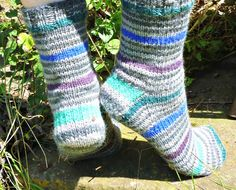 Winwick Mum: Basic 8ply (DK) boot socks - free pattern and tutorial