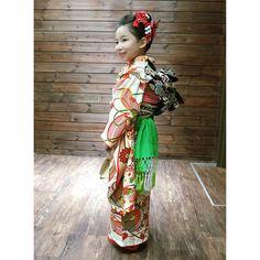 いいね!38件、コメント0件 ― 着物レンタル 円居(@madoi_rental)のInstagramアカウント: 「2019年_七五三のお客様  昨年、七歳さんのお祝いに 円居をご利用いただきましたお客様  お子さまらしくて可愛らしい色柄の振袖と 鬢をすっきりとさせた日本髪が とてもお似合いですね!…」 Harajuku, Instagram, Style, Fashion, Moda, Stylus, Fasion, Trendy Fashion, La Mode