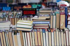 Kirjakyläpäivät järjestetään Sysmän keskustassa Hyvien ihmisten torilla ja sinne saapuu kirjojen myyjiä ympäri Suomea. #sysmä #finland