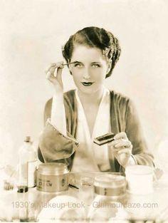1930s-makeup-Norma-Shearer.