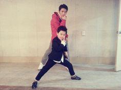 TEEN_TOP * TEEN TOP * 틴탑 * 13 Mar  대세 리틀싸이 황민우군과 함께 강남스타~일! ^^ pic.twitter.com/pdpKEEWysH