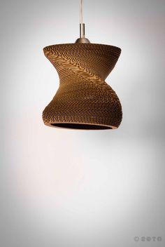 Elipse Revo, luminaria realizada en cartón Kraft ondulado de 5mm. #cardboard Paper. Carboard. Carton. Papel.