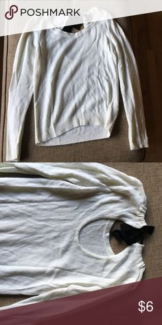 H&M ribbon tie back Sweater Worn but good condition H&M Sweaters Crew & Scoop Necks