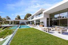 A Hillside Home / Quinn Architects, Los Ángeles, California. http://www.arquitexs.com/2014/08/casa-de-lujo-minimalista-los-angeles-California.html