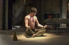 ハルクを制御するために精神を鍛える映画ハルクのブルース・バナー。