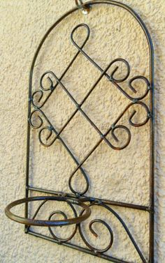 Porta Macetas: Tienda Deco C Wrought Iron Decor, Wrought Iron Gates, Iron Table Legs, Door Gate Design, Metal Bending, Copper Art, Metal Artwork, Iron Doors, Steel Furniture