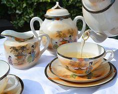 Japanese Fine cáscara de huevo de porcelana juego de té con Geisha Lithophane Retratos dentro de las Copas y la mano del patrón del geisha pintado - Cejas -18 piezas