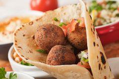 Recipe for Falafel Gyros - Wraps, Gyros & Sandwichs - - Greek Recipes - Gyro Recipe, Falafel Recipe, Shawarma, Ceviche, Gyro Wrap, Greek Dinners, Crockpot Recipes, Cooking Recipes, Greek Gyros