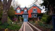 Photo of an upscale house in Cabbagetown, Toronto, Ontario, Canada