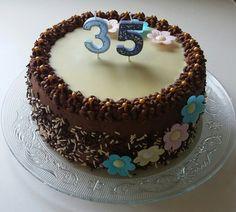 Birthday Cake, Cupcakes, Food, Jars, Cupcake Cakes, Birthday Cakes, Essen, Meals, Yemek