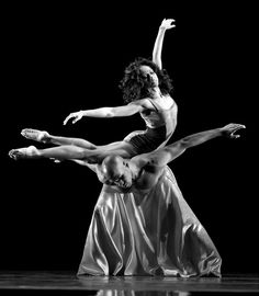 Linda Celeste Sims and Glenn Allen Sims in Mauro Bigonzetti's Festa Barocca - Alvin Ailey American Dance Theater - Photo by Nan Melville