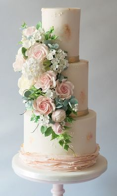 Floral Wedding Cakes Blushing Bride Cake By The Frostery - Iced Wedding Cake Buttercream Royal Icing Elegant Wedding Cakes From Top UK Wedding Cake Makers RMW The List Recommended By Rock My Wedding English Wedding Cakes, Uk Wedding Cakes, Wedding Cake Maker, Wedding Cake Prices, Floral Wedding Cakes, Wedding Cakes With Flowers, Elegant Wedding Cakes, Beautiful Wedding Cakes, Gorgeous Cakes