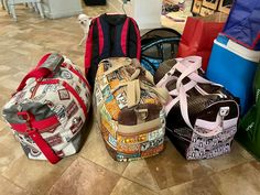 Trio de sacs Boston colorés cousus par Dominique - Patron Sacôtin