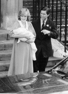 Royal Babies_1982: The moment the world has been waiting for - Prince Charles and Princess Diana introduce their newborn son Prince William