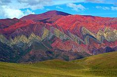 Когда природе грустно, она берет радугу ираскрашивает горы