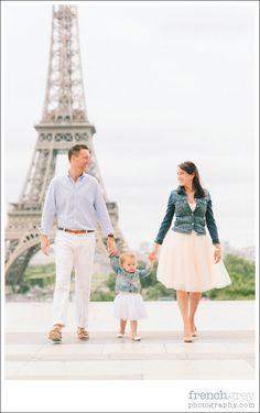 Family session: Paris, France. | frenchgreyphotography.com