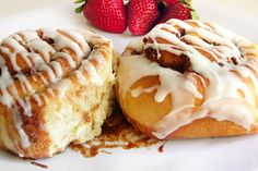 Cinnamon Roll Potpourri -          Cinnamon sticks, Vanilla extract,      Almond extract & Nutmeg (optional)