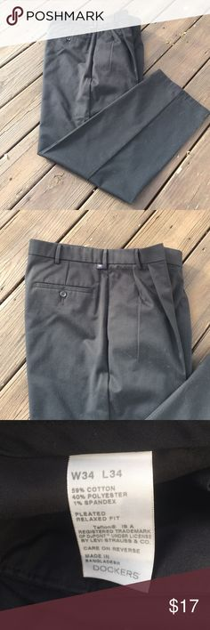 Dockers pants Like new!  Offers welcomed 👌 size 34/34 Dockers Pants Chinos & Khakis