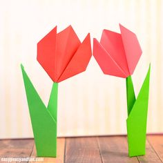 Learn how to make origami flowers – this origami tulip tutorial will teach you how to make a super easy flower that stands on it's own! You can modify this project to fit all ages, so it's a great and easy origami for kids, even as young as preschoolers as they can only make the …