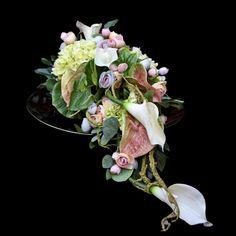 Dekoracja nagrobna Nr 634 Grave Decorations, Funeral Flowers, Fall Flowers, Ikebana, Pretty In Pink, Tablescapes, Floral Arrangements, November, Spring