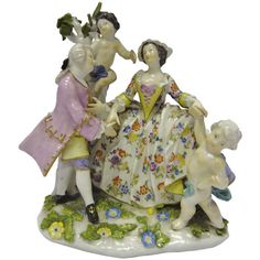 Shop vintage decorative objects, including sculptures, figurines and other collectibles from the world's best furniture dealers. Dining Furniture, Cool Furniture, Decorative Objects, 18th Century, Vintage Shops, Tea Pots, Sculptures, Entertaining, Antiques
