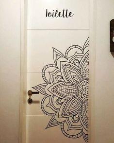Mandala Mural, Mandala Doodle, Mandala Drawing, Mandala Painting, Mandala On Wall, Painted Bedroom Doors, Painted Doors, Wall Art Designs, Paint Designs