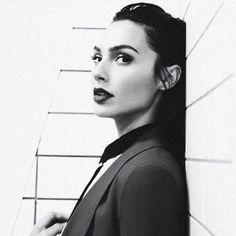 """167.4 mil Me gusta, 653 comentarios - Gal Gadot (@gal_gadot) en Instagram: """"#MidWeekGlamour"""""""