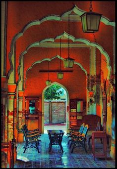 um-er:    Faiz Mahal, Khairpur, Pakistan.