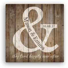 Pallet Crafts, Pallet Art, Wood Crafts, Diy Pallet, Vinyl Projects, Pallet Projects, Diy Wedding Gifts, Wedding Ideas, Personalized Wedding Gifts