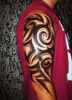 tatuaże na ramie tribal