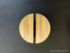 new ideas wooden door handle cabinets Custom Wood Doors, Wooden Front Doors, Timber Door, Door Handles Vintage, Vintage Doors, Wooden Handles, Timber Kitchen, Kitchen Doors, Kitchen Handles