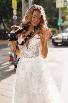 25f5a109c3e Wedding dress  GOLDIE     Amazing A-line lace wedding dress with a plunging  neckline and original back design