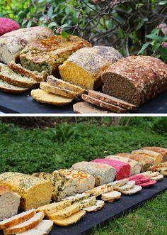 recetas-pan-casero-betarraga-zapallo-zanahoria-aji-albahaca-cherrytomate-38 Bread Recipes, Cooking Recipes, Healthy Recipes, Salty Foods, Vegan Bread, Bread And Pastries, Artisan Bread, Sin Gluten, Snacks
