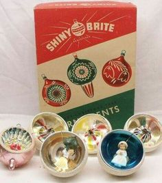 Great Example of an early style Shiny Brite box from before WWII. Indents in the front row are from Japan. Antique Christmas Ornaments, Merry Christmas, Vintage Ornaments, Vintage Christmas Cards, Christmas Items, Christmas Love, Vintage Holiday, All Things Christmas, Christmas Holidays