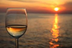 @Delicioso loves wine and wine loves sunsets. Have our core wine list in mind when you are planning your stay on #Mallorca Let our experts recommend and help you combine great #food and great #wines. http://www.deli-delicioso.com/wines.html  Phone us on +34971699221.