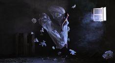 Restons dans les airs mais quittonsl'avion pour de nouveau prendre de la hauteur mais cette fois-ci grâce au talent de la photographe Ravshaniya originaire d'Ouzbékistan qui aime nous transporter dans un univers des plus enchanteur.   Légères comme l'air Celle-ci met en effet en scène des jeune