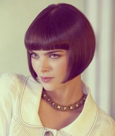 Haircuts for Short Straight Hair - Bob mit Pony - Short Straight Hair, Short Hair Cuts, Short Hair Styles, Blonde Bob Hairstyles, Straight Hairstyles, Girl Hairstyles, Waterfall Hairstyle, Angled Bob Haircuts, Bob Haircut With Bangs