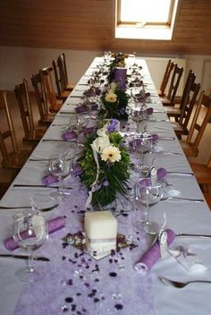 Tischdeko lila