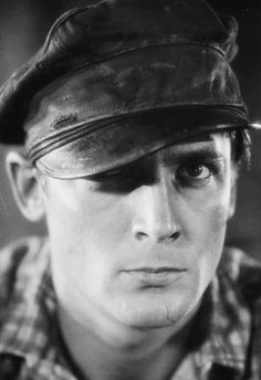 """(August 9, 1901 – May 6, 1990) Charles Farrell was an American film actor of the 1920s silent era and into the 1930s, and later a television actor. He is probably best recalled for his onscreen romances with actress Janet Gaynor in more than a dozen films.Unlike many of his silent screen peers, He had little difficulty with """"voice troubles"""" and remained a publicly popular actor throughout the sound era."""