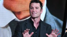 Murdoch Mysteries puzzles American critics  http://www.theglobeandmail.com/arts/television/john-doyle-murdoch-mysteries-puzzles-american-critics/article28078232/