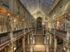my city : Nantes ici le passage Pommeraye Destinations, Belle Villa, Visit France, Le Havre, Places Ive Been, Beautiful Places, Road Trip, Paris, Explore