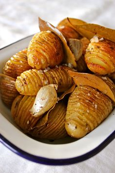Bay Roasted Baby Hasselbacks by warmsnugfat: Tuck in a bay leaf and amp up the flavor! #Bay_Leaf #Potatoes #Hasselback_Potatoes #warmsnugfat